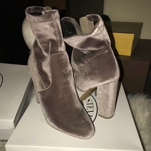 Steve Madden grey velvet edit boots size 9